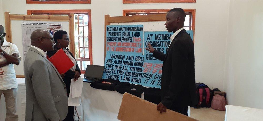 L'organisation de jeunesse Mzimba expose son travail de plaidoyer